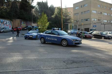 Questura di Ancona, auto della polizia