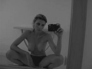 Martina-Colombari-Autoscatti-Sexy-2-2