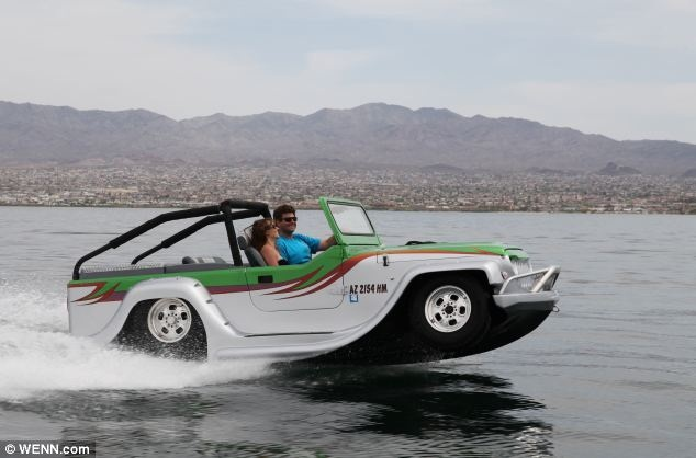 The-panter-watercar1