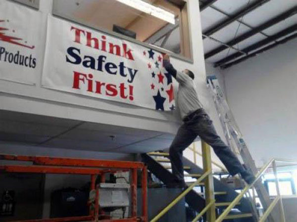 safety_fail_people_01