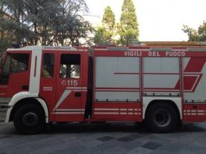 Vigili del fuoco: un'autobotte del comando provinciale di Catanzaro