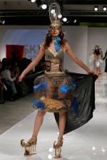 440x660x121018_c2_Russia_Aurora_Fashion_Week_3.jpg_BIM-1.jpg.pagespeed.ic.rzZnbbL6ta