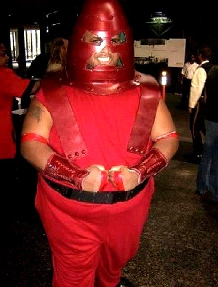 450x592xA-Collection-of-Seriously-WTF-Cosplay-Images-13.jpg.pagespeed.ic.AzFDctaK1O