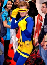 550x761xA-Collection-of-Seriously-WTF-Cosplay-Images-12.jpg.pagespeed.ic.vkpdrfkv65