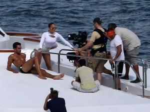 Jennifer Lopez Hot In White Shorts On A Yacht 02