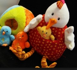 cute-toys-mother-hen2