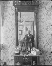old-selfies-ornate-mirror