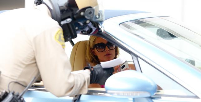 Paris Hilton viene fermata dalla Polizia