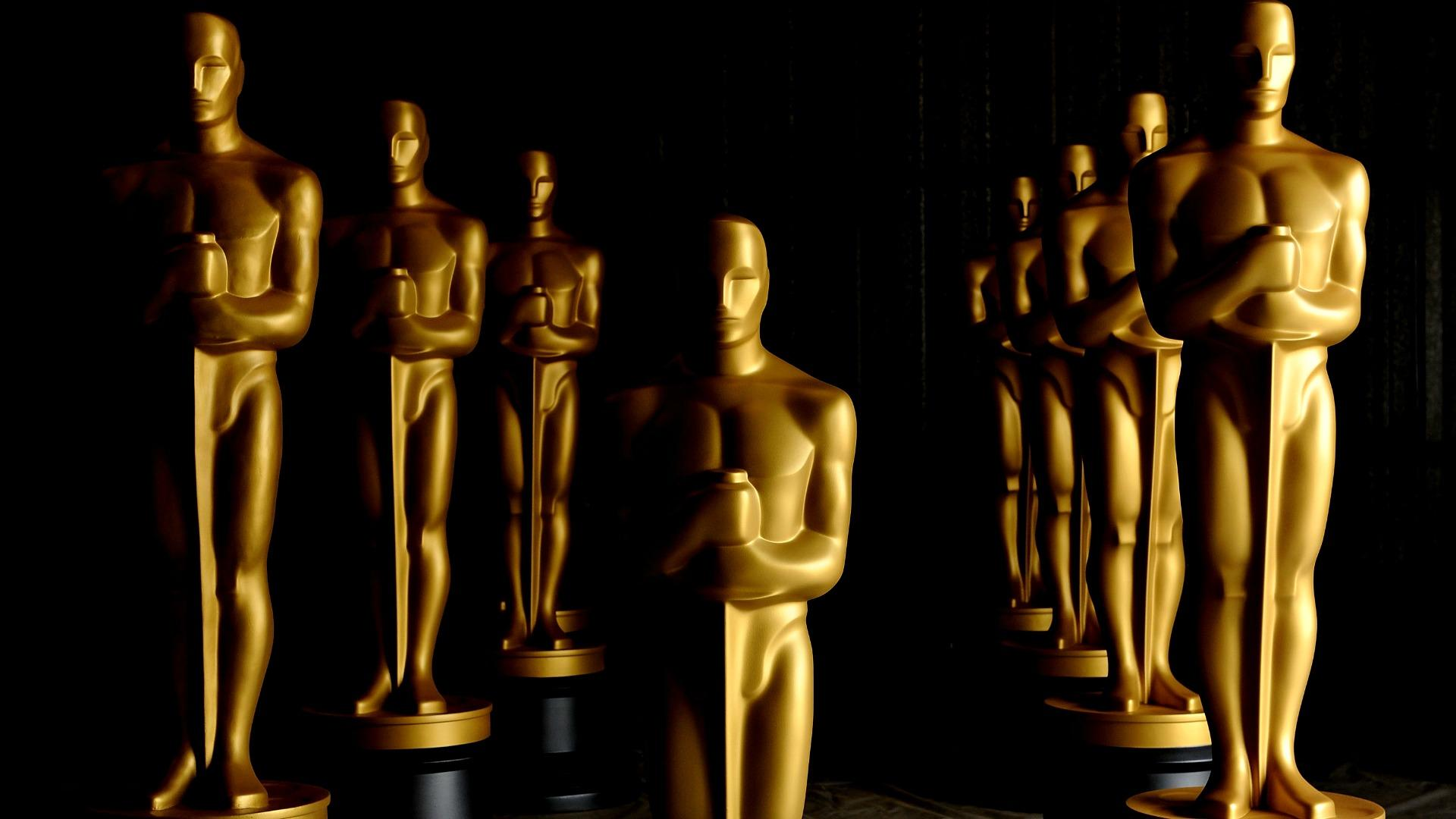 Academy Awards Statues