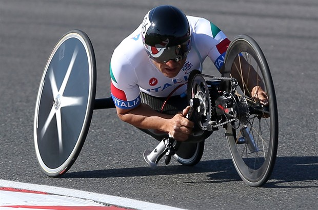Alex-Zanardi-medaglia-d-oro-paralimpiadi-handbike_620x410