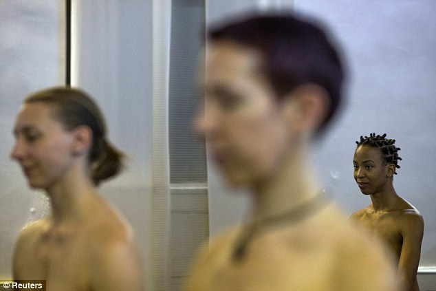 Bold-Naked-Yoga2