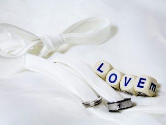love-2595150_640