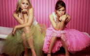 mary-kate-and-ashley-olsen-recording-artists-and-groups-photo-u9