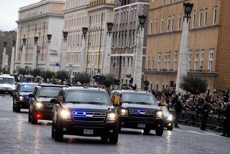 Obama dal Papa:corteo presidenziale giunto in Vaticano