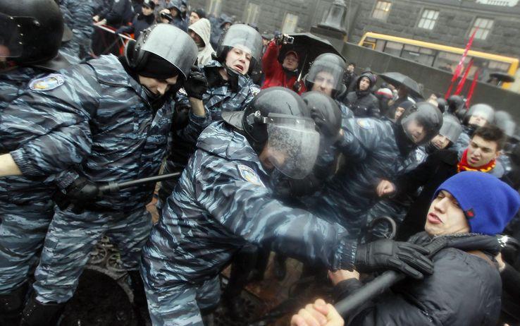 foto_ucraina_scontri_piazza_01_1