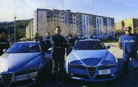 polizia: il capo della mobile di Catanzaro Rodolfo Ruperti con alcune volanti