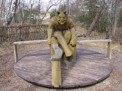 creepy-playgrounds-goblin