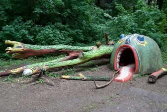 creepy-playgrounds-snake