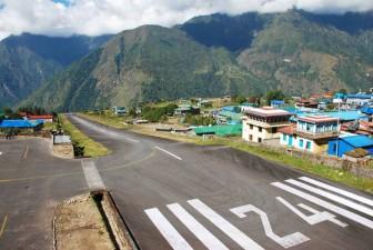 il-piccolo-aeroporto-del-nepal