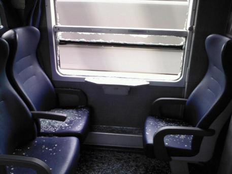 Treni: Chisso, troppa tolleranza atti vandalici a carrozze