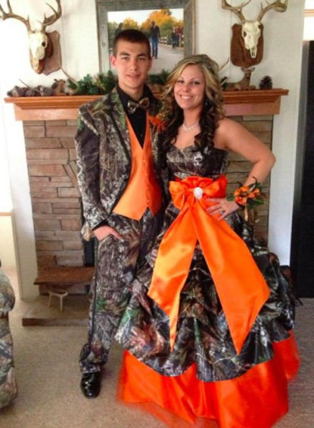 440x600xprom_photos_in_true_redneck_style_640_17.jpg.pagespeed.ic.nyT3E6f0nb