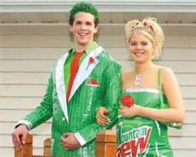 600x480xprom_photos_in_true_redneck_style_640_24.jpg.pagespeed.ic.DUOwIojGzz