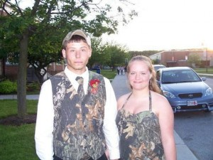 640x480xprom_photos_in_true_redneck_style_640_23.jpg.pagespeed.ic.G9yOWDjdFT