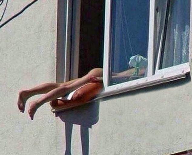 prendere sole alla finestra