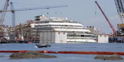 costa-concordia-isola-del-giglio-nave-imbarcazione-cetacei-ultimo-viaggio-genova-santuario-