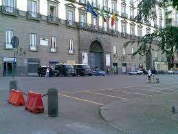 Turista, derubata a pochi passi da palazzo San Giacomo