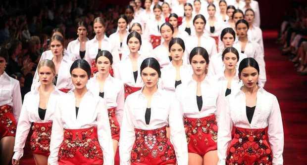 La donna di Dolce & Gabbana? In culotte