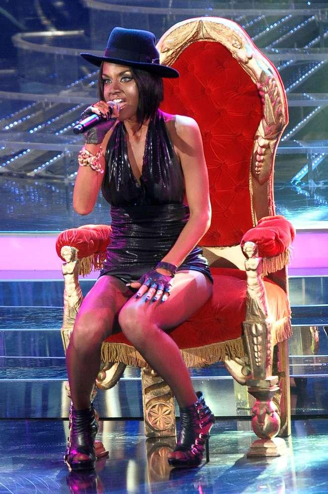 Raffaella Fico si trasforma in Rihanna per una notte