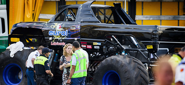 AUTO-NED-MONSTER TRUCK-SHOW