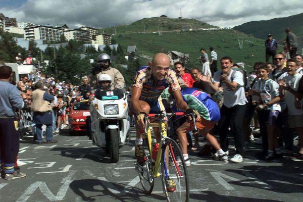 Marco Pantani, il grande ciclista morto misteriosamente-
