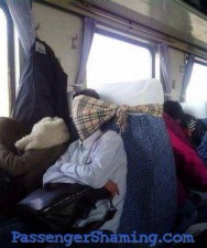passenger-shaming-foto-dei-passeggeri-maleducati