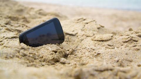 Come pulire smartphone da sabbia