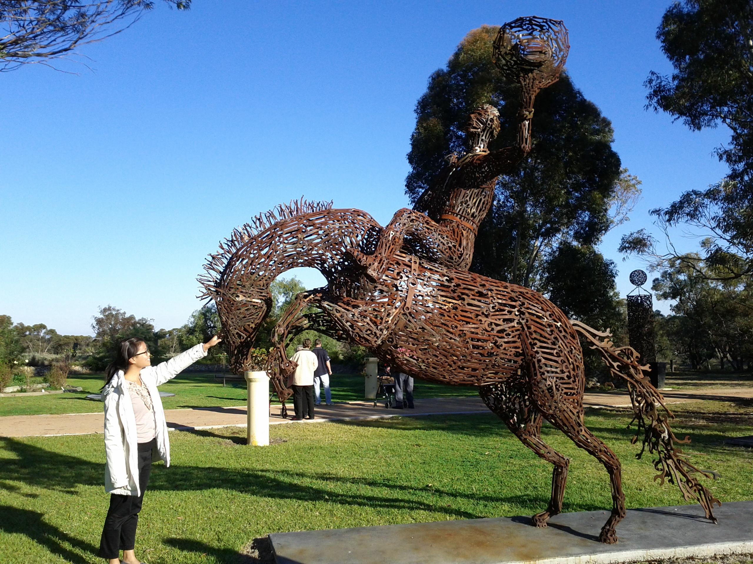 Le incredibili sculture di John Piccoli