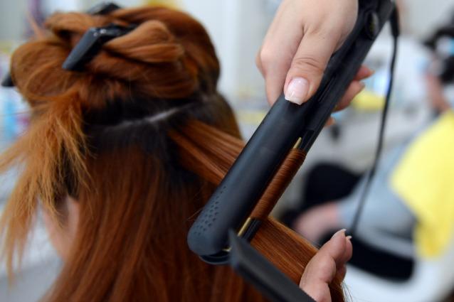 10-errori-da-non-fare-quando-utilizzi-la-piastra-per-capelli-638x425