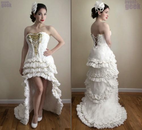 L'abito da sposa realizzato in carta igienica