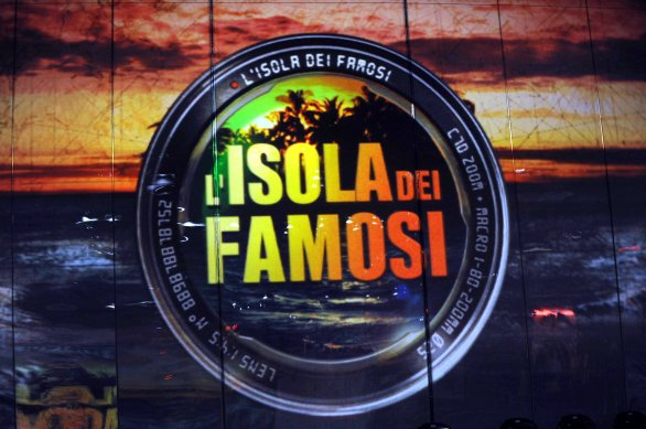 foto-logo-isola-dei-famosi