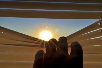 sole e finestre