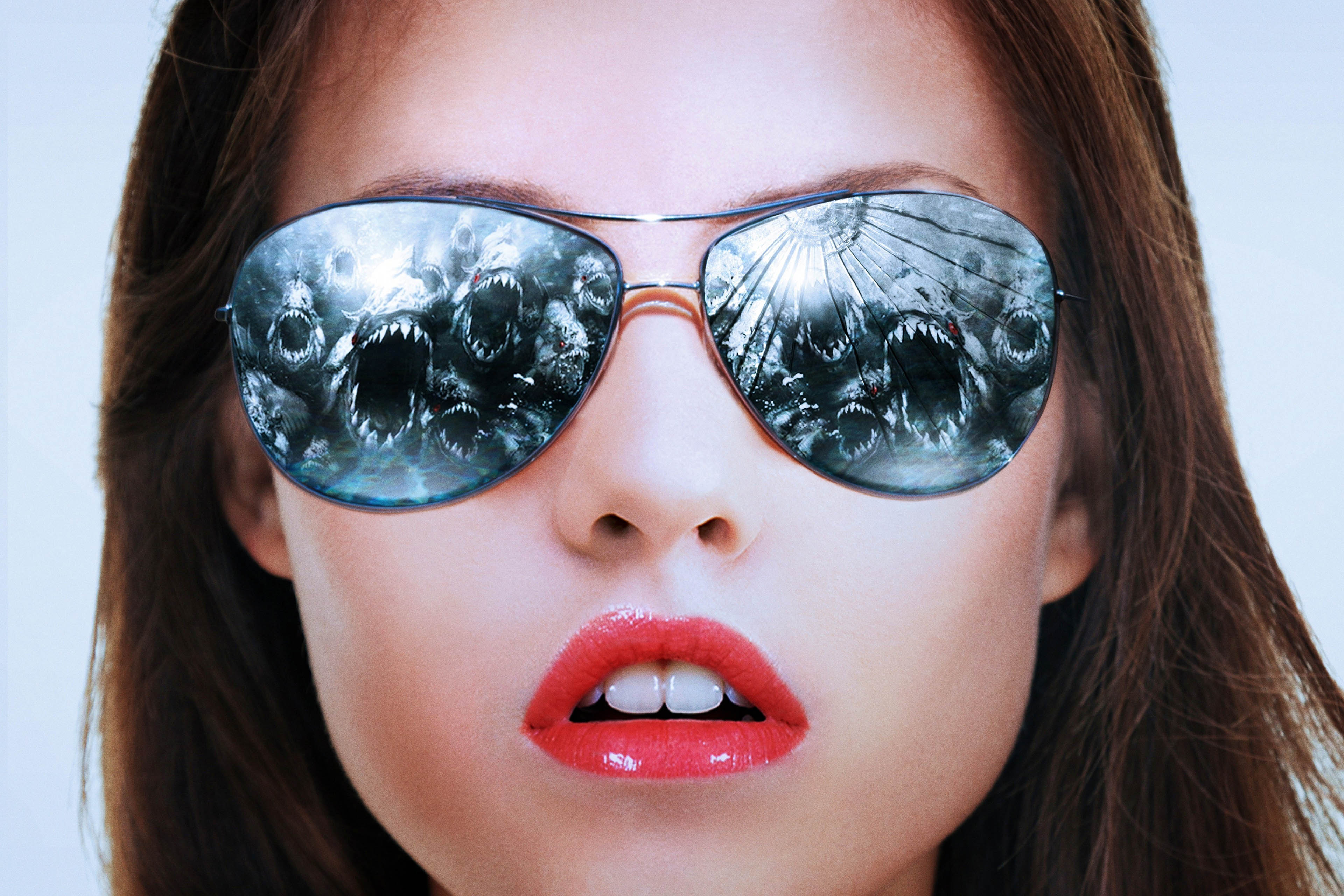 Danielle-Panabaker-Occhiali-da-sole