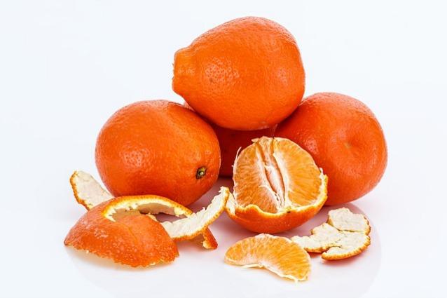Pulizie-low-cost-e-rimedi-di-bellezza-naturali-con-le-bucce-degli-agrumi-ecco-come-fare-638x425