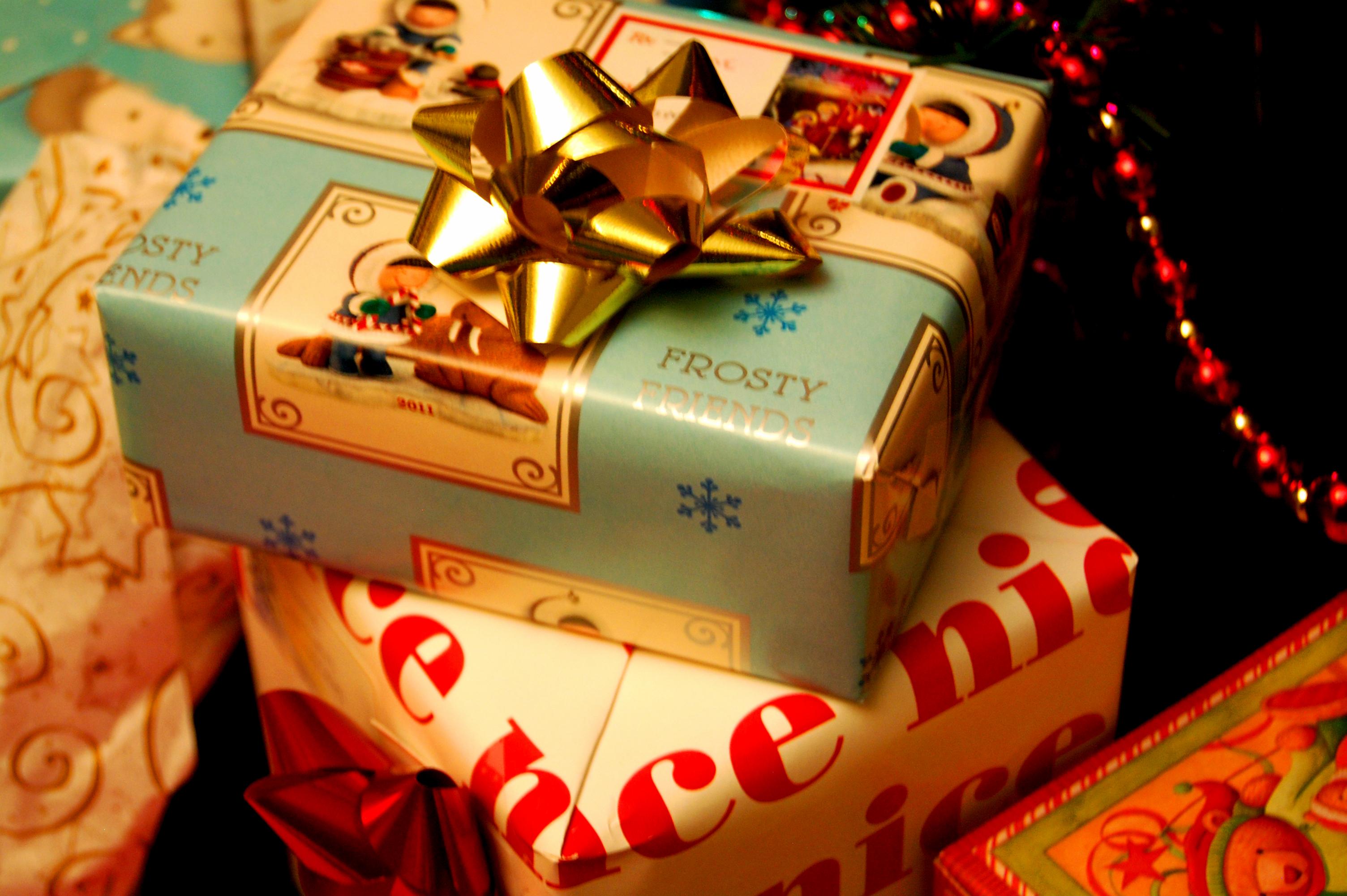 Regali Di Natale Pensierini.Qual E L Origine Dei Regali Di Natale Notizie It