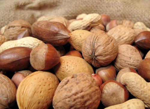 1402410583-il-venditore-di-frutta-secca-truffato