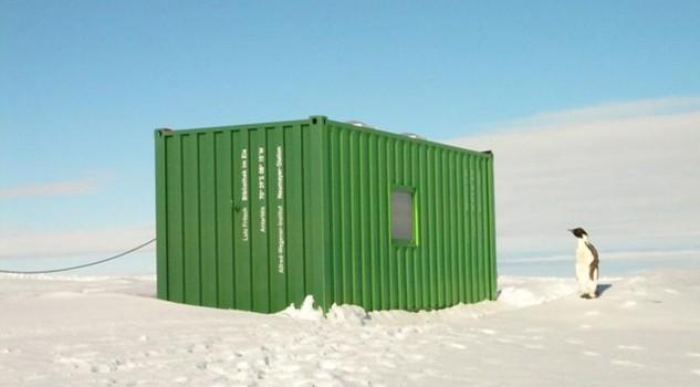 Realizza una biblioteca tra i ghiacci dell'Antartide
