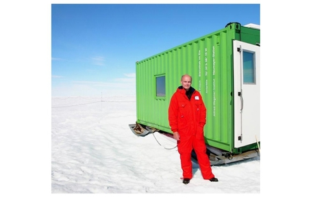 Lifestyle:Lutz Frtisch biblioteca nel ghiaccio