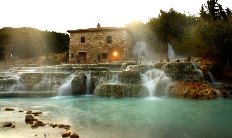 Rilassatevi nelle favolose Terme di Saturnia, Italia 2015 hotel