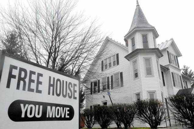 free-house-you-move-it-638x425