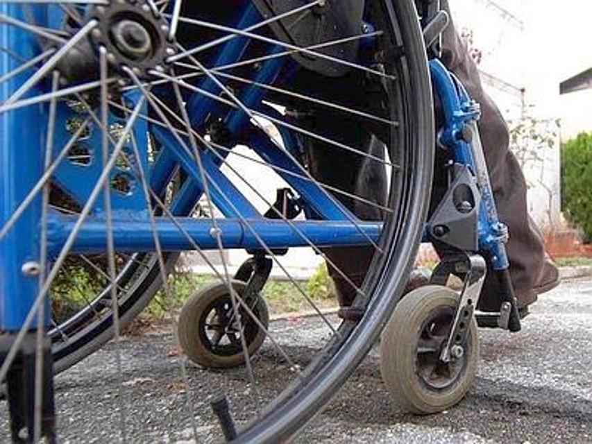 Un farmaco per dimagrire la fa finire sulla sedia a for Uomo sulla sedia a rotelle
